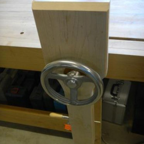 Leg Vise with hand wheel